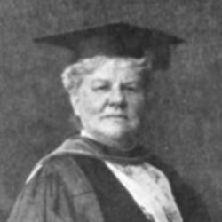 Louisa_Lee_Schuyler_receiving_honorary_LLB_at_Columbia_University.jpg