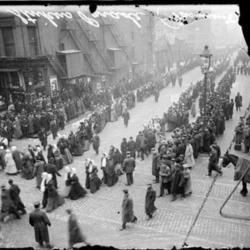 1910_Chicago_Garment _Workers_Strike.jpg