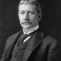 Elihu_Root,_bw_photo_portrait,_1902.jpg