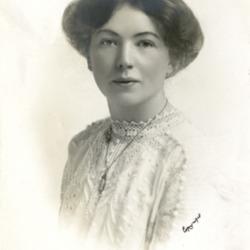 Christabel_Pankhurst,_c.1910._(22734753300).jpg