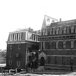 Johns_Hopkins_1885.jpg